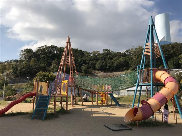 「西代蓮池公園」の複合遊具