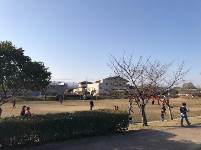大和郡山市「九条公園」ボール遊びができる広場