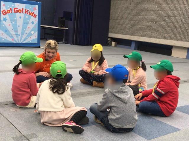 wfc「Go! Go! Kids」イベントに参加している子供たち