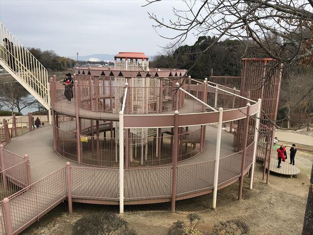 「馬見丘陵公園」大型遊具