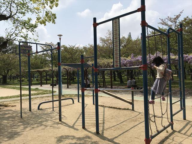 城北公園の遊具、桜公園東側