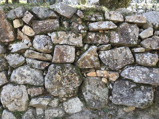 洲本城の石垣。野面積み