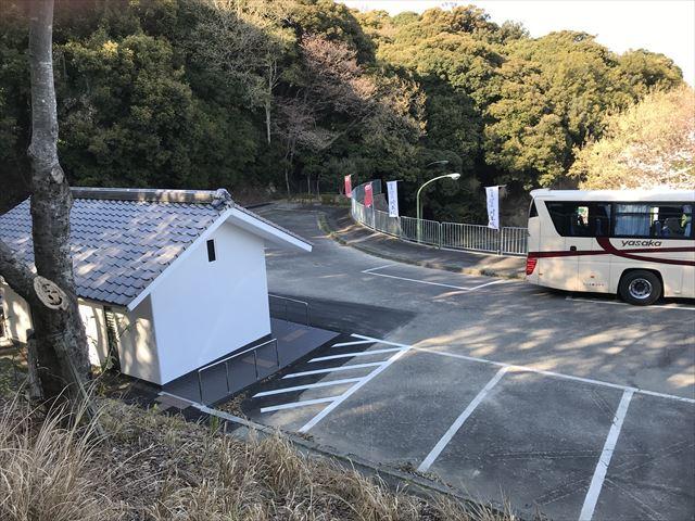 洲本城(三熊山)駐車場とトイレ