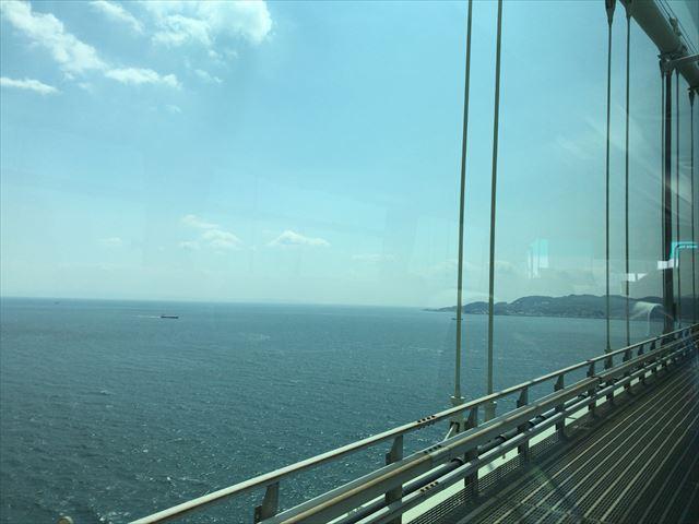 神姫バス(高速バス)から見た明石海峡大橋