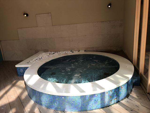 「夢海游 淡路島」室内プールのジャグジー