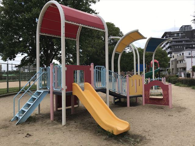 神戸「住吉公園」の複合遊具(幼児向け)