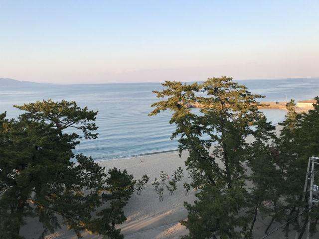 「夢海游 淡路島」から見た夕方の大浜海水浴場