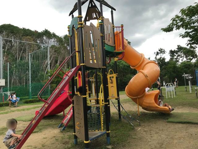 「男山レクリエーションセンター」複合遊具