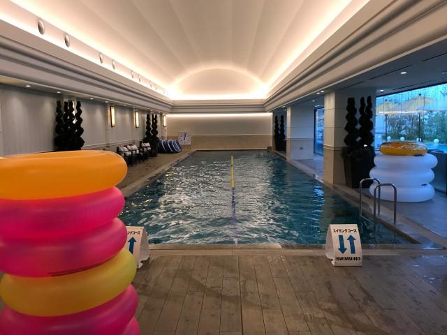 「神戸みなと温泉 蓮」室内プール