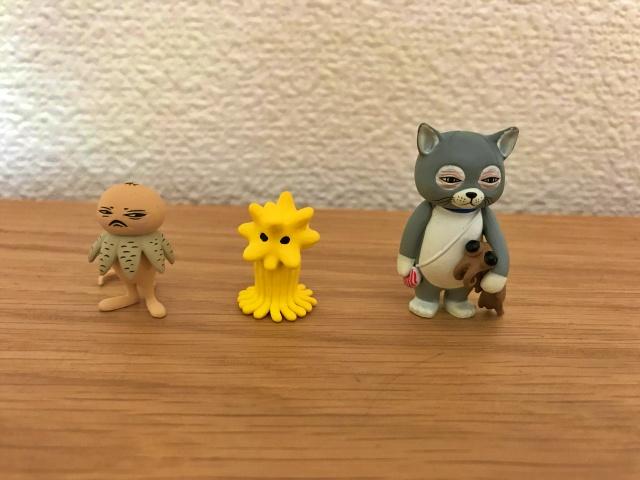 ヒグチユウコキャラクターガチャガチャで出てきた「ツチグリぼうやとテアシオカヒトデ」と「ニャンコとアノマロ」