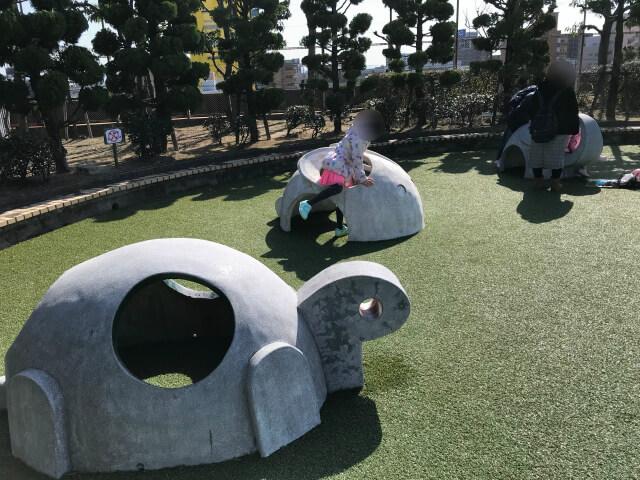 「川俣スカイランド」幼児広場・カメやウサギの遊具