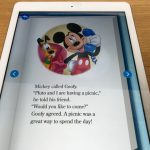 rakuten ABCmouse(楽天ABCマウス)「アナと雪の女王(Frozn)」のデジタル英語絵本(ミッキー)タブレットを縦にした様子