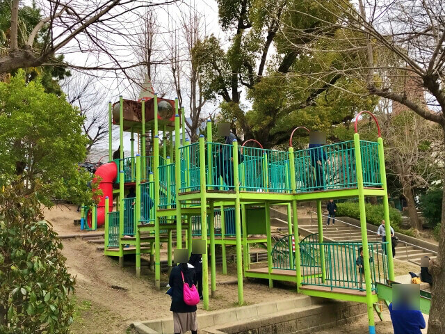 東高津公園の複合遊具