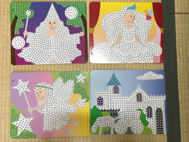 ボーネルンド「スティッキーモザイク・プリンセスのものがたり」4つのボード