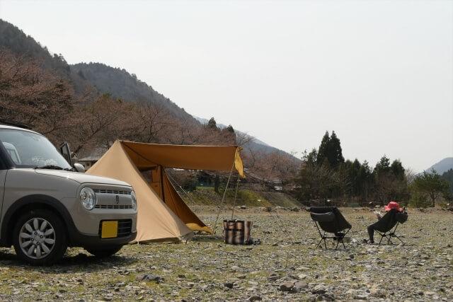軽自動車、家族でキャンプ