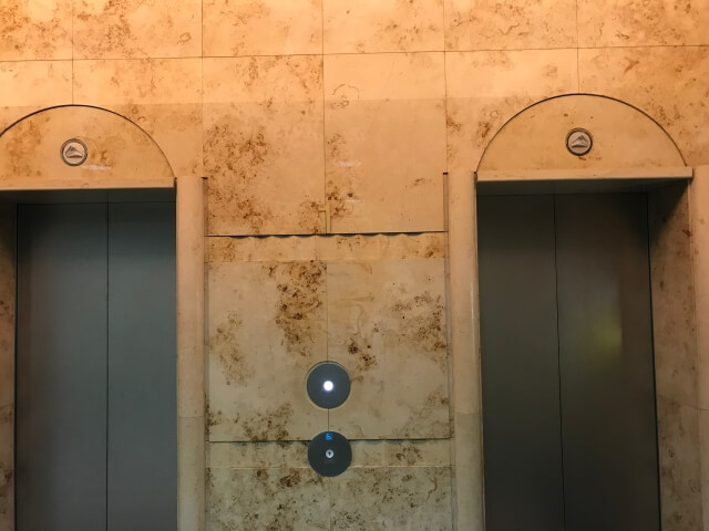 OCAT中央エレベーター
