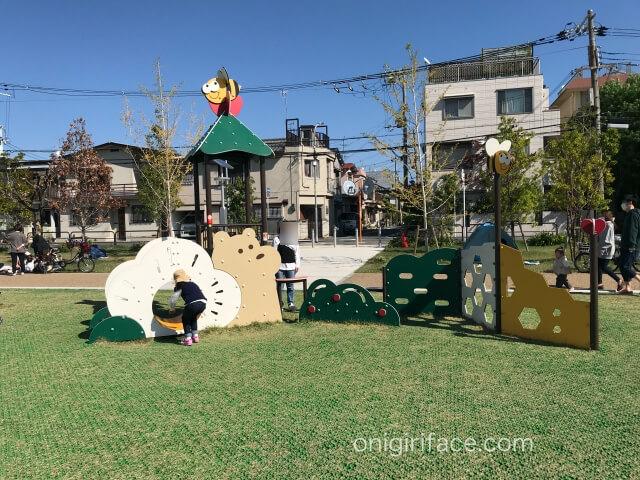 太枝公園「ちびっこ広場」の遊具