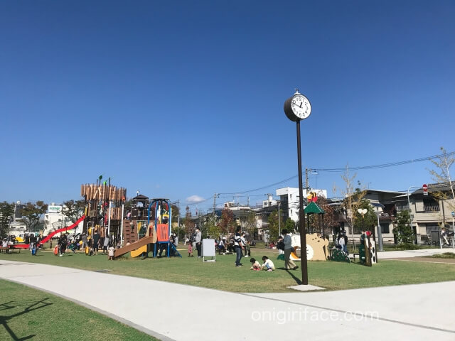 大枝公園「ちびっこ広場」と「遊びの広場」