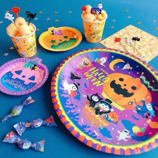 キャンドゥ「ハロウィングッズ2021」パーティー用紙皿と紙コップ、ナプキン